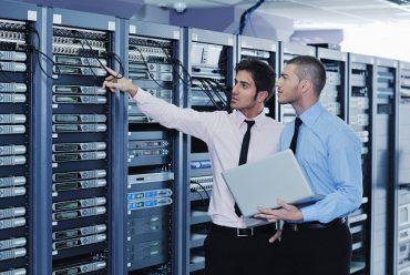 Có nên thuê dịch vụ quản trị máy chủ không?